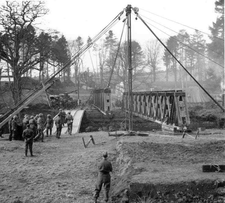 Bridge-building-WW2.jpg