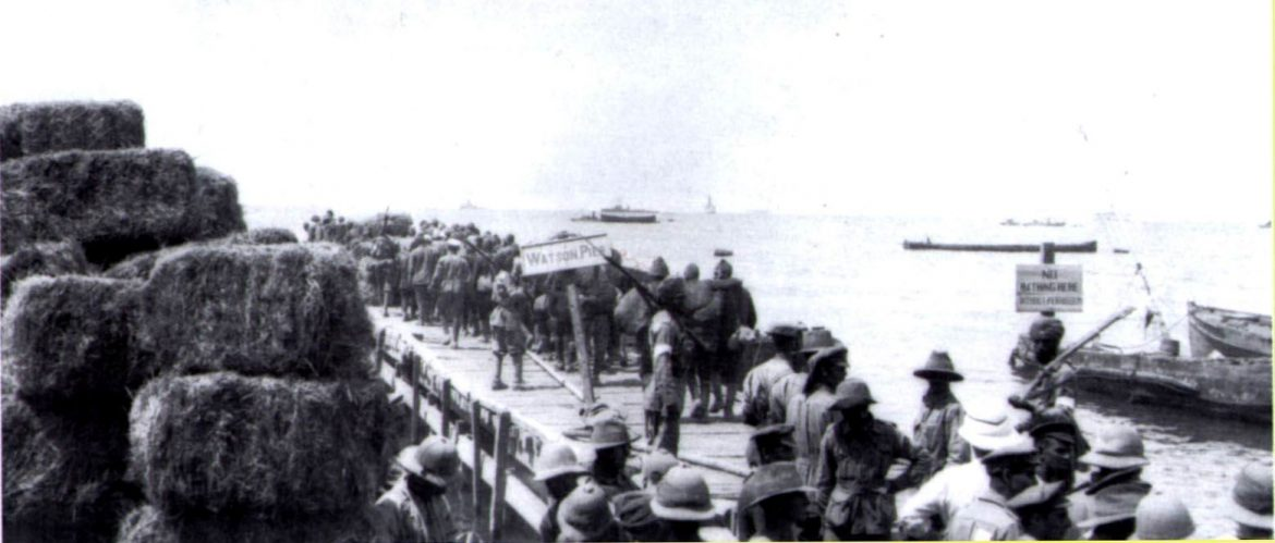 1915-Watsons-Pier-evacuating-wounded-soldiers-and-Turk-POWs.jpg