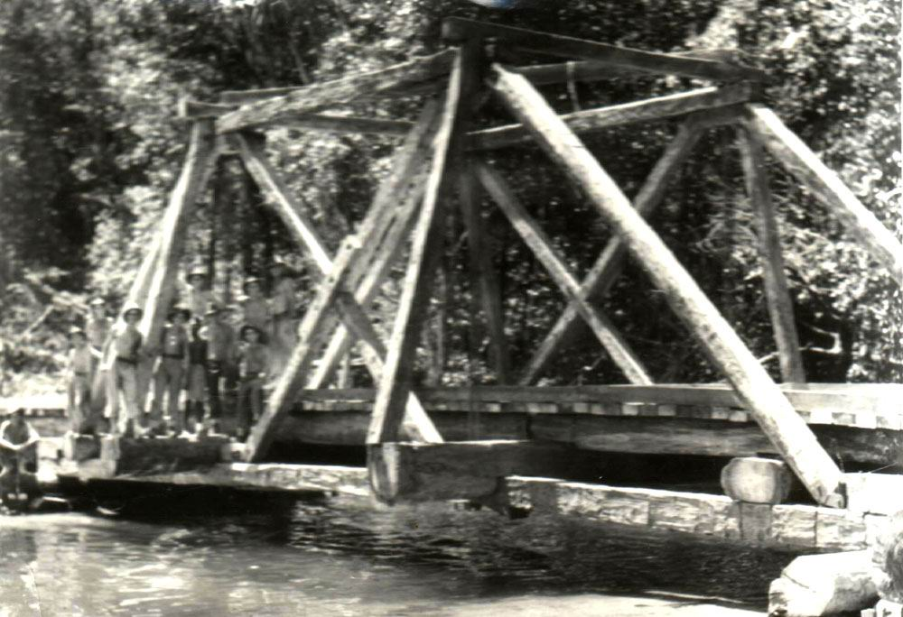 1944-Truss-Suspension-bridge-New-Britain.jpg