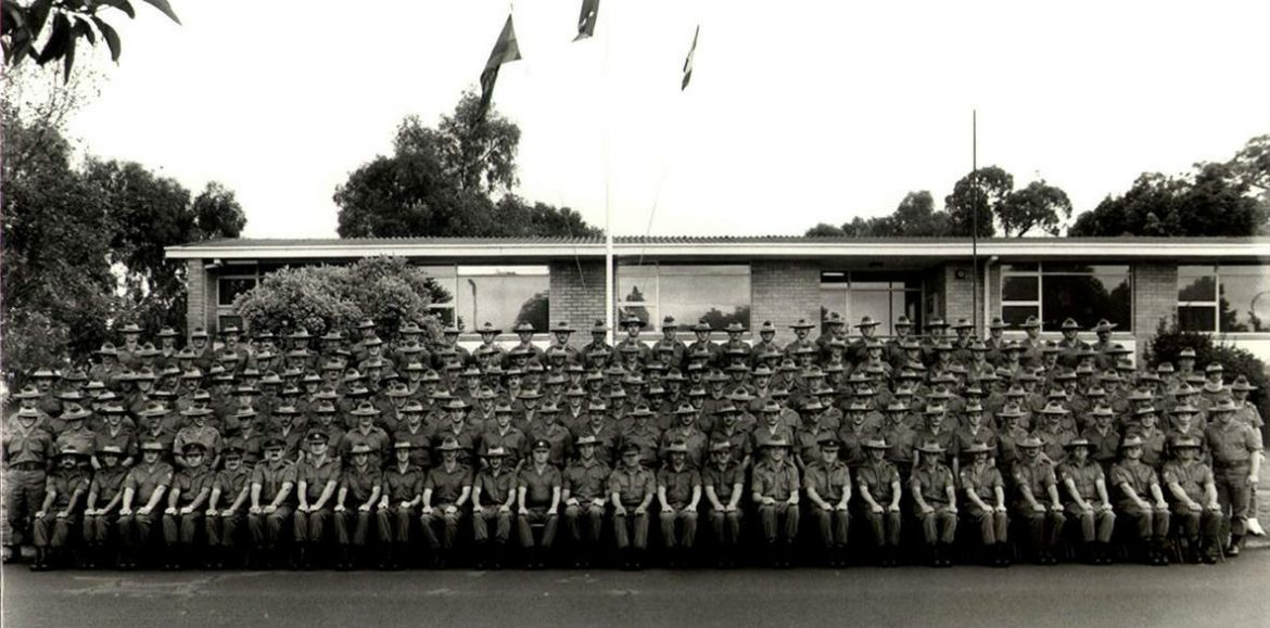 1983-Sqn-group-photo.jpg